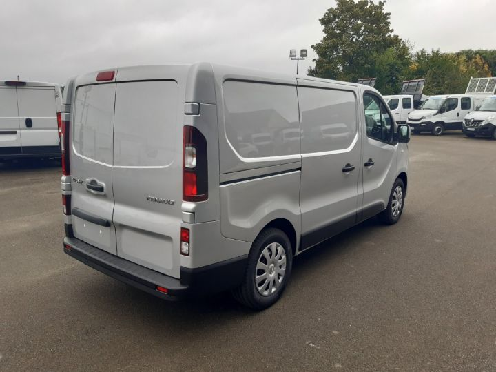Fourgon Renault Trafic Fourgon tolé L1H1 2.0 DCI 145CV GRAND CONFORT GRIS METAL - 3