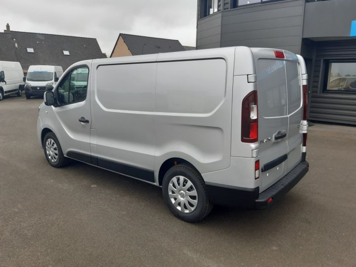 Fourgon Renault Trafic Fourgon tolé L1H1 2.0 DCI 145CV GRAND CONFORT GRIS METAL - 4