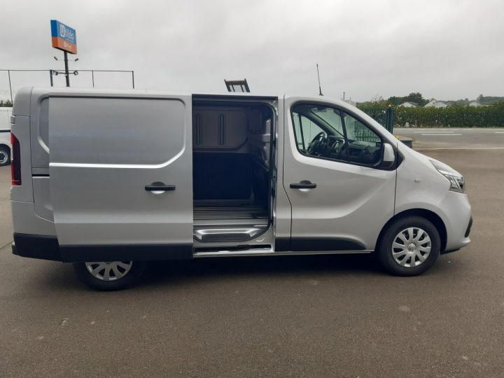 Fourgon Renault Trafic Fourgon tolé L1H1 2.0 DCI 145CV GRAND CONFORT GRIS METAL - 7