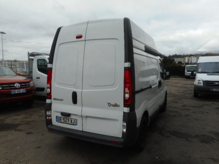 Fourgon Renault Trafic Fourgon tolé L1H2 DCI 115  Occasion - 3