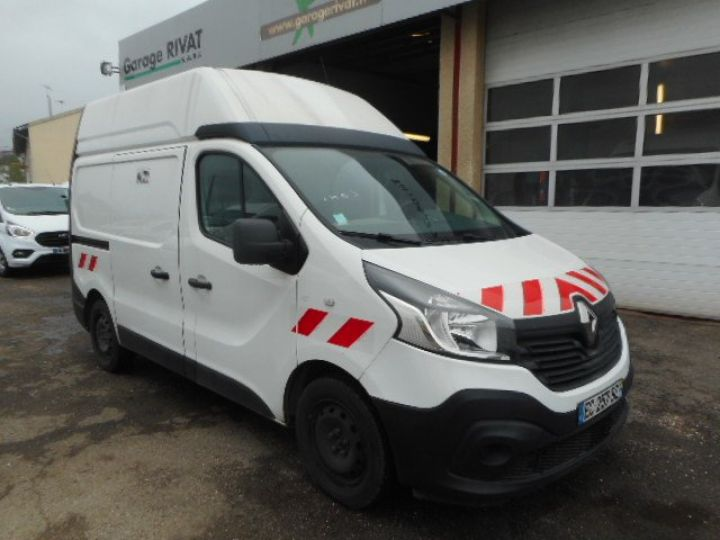 Fourgon Renault Trafic Fourgon tolé L1H2 DCI 120  - 1