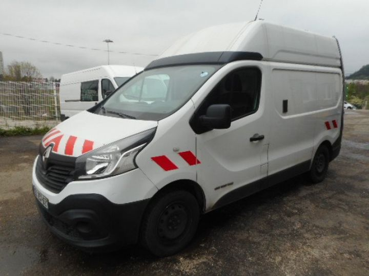 Fourgon Renault Trafic Fourgon tolé L1H2 DCI 120  - 2