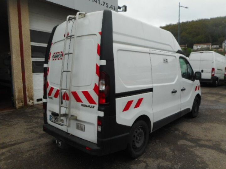 Fourgon Renault Trafic Fourgon tolé L1H2 DCI 120  - 4