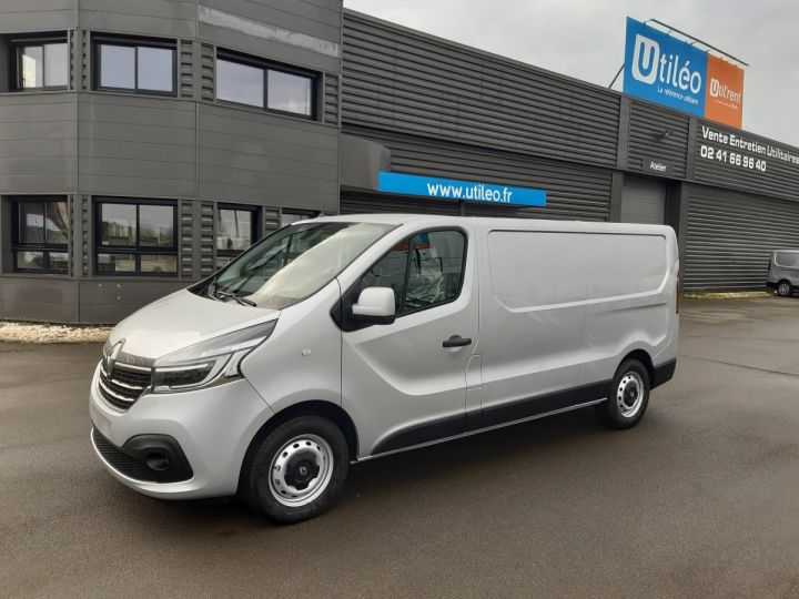 Fourgon Renault Trafic Fourgon tolé L2H1 1200 2.0 DCI 145CH ENERGY GRAND CONFORT GRIS PLATINE - 1