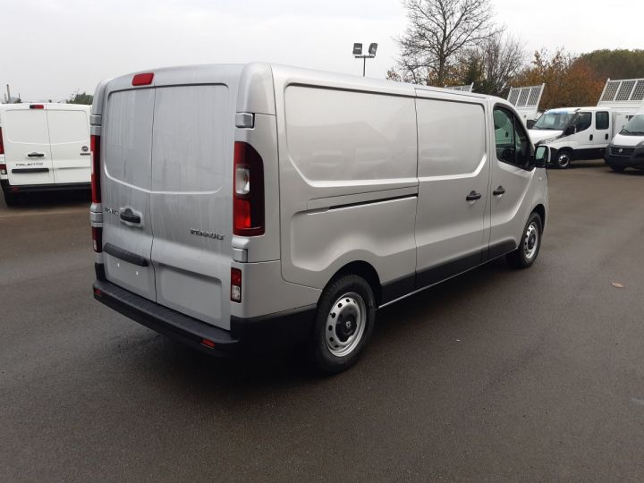 Fourgon Renault Trafic Fourgon tolé L2H1 1200 2.0 DCI 145CH ENERGY GRAND CONFORT GRIS PLATINE - 3