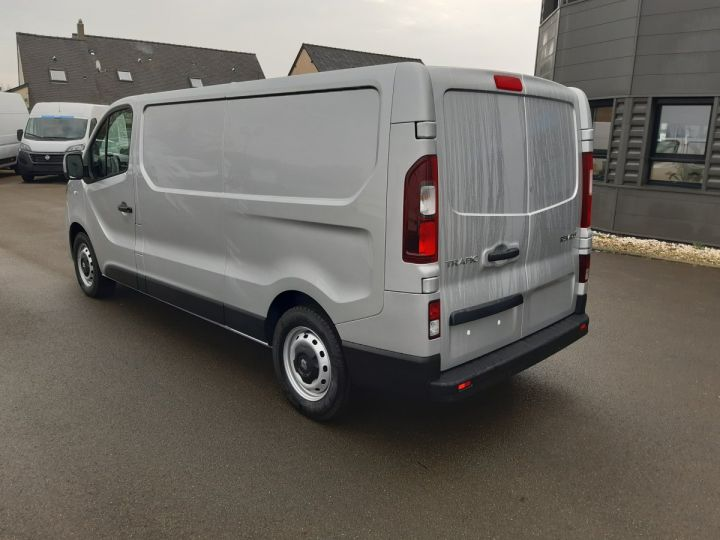 Fourgon Renault Trafic Fourgon tolé L2H1 1200 2.0 DCI 145CH ENERGY GRAND CONFORT GRIS PLATINE - 4