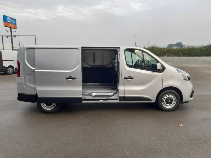Fourgon Renault Trafic Fourgon tolé L2H1 1200 2.0 DCI 145CH ENERGY GRAND CONFORT GRIS PLATINE - 7