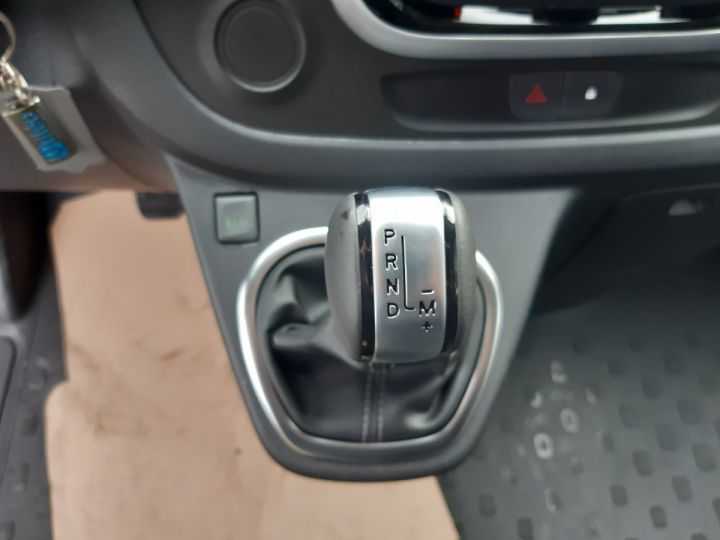 Fourgon Renault Trafic Fourgon tolé L2H1 1200 2.0 DCI 145CH ENERGY GRAND CONFORT GRIS PLATINE - 11