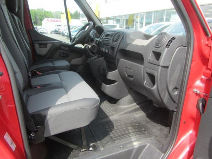 Fourgon Renault Master F3500 L1H1 dCi 125 Grand Confort ROUGE - 4