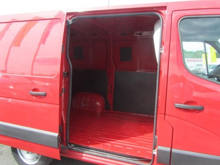 Fourgon Renault Master F3500 L1H1 dCi 125 Grand Confort ROUGE - 5