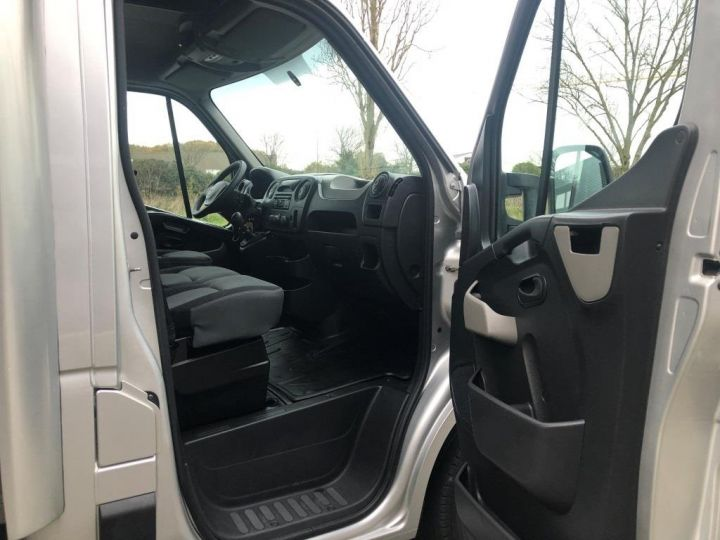 Fourgon Renault Master Savoyarde 165 CV PLATEAU RIDEAU COULISSANT GRIS - 6