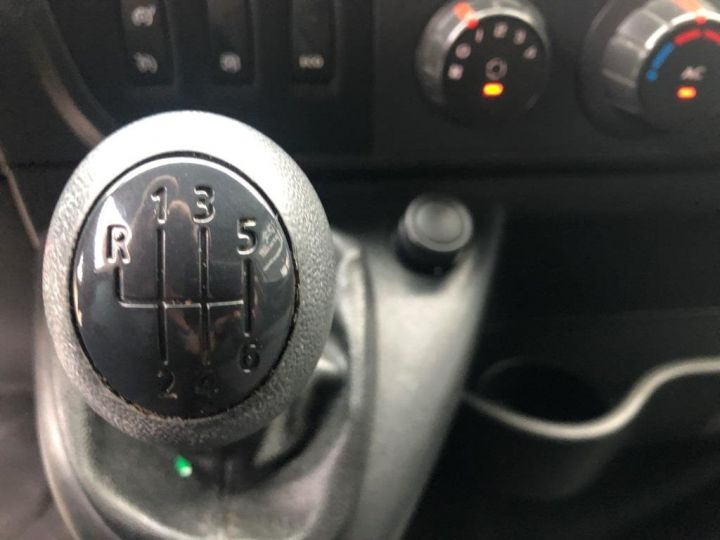 Fourgon Renault Master Savoyarde 165 CV PLATEAU RIDEAU COULISSANT GRIS - 11