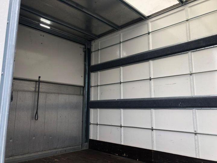 Furgón Iveco Daily Caja cerrada + Plataforma elevadora 35C14 22M3 HAYON CAPUCINE PORT BLANC - 4
