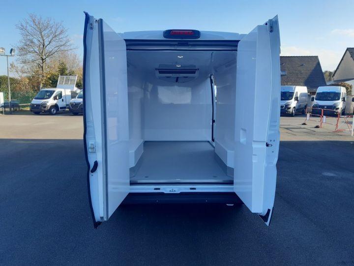 Furgón Fiat Ducato Furgón frigorífico 3.5 LH2/L3H2 2.3 Multijet 140CH Pack Pro Nav BLANC - 5
