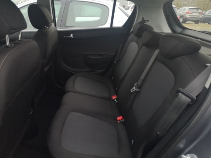 Hyundai i20 1.1 crdi 75 pack inventlimite 5 port Gris Occasion - 11