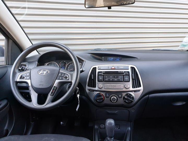 Hyundai i20 1.1 CRDI 75 PACK INVENTLIMITE O Gris Métallisé Occasion - 5