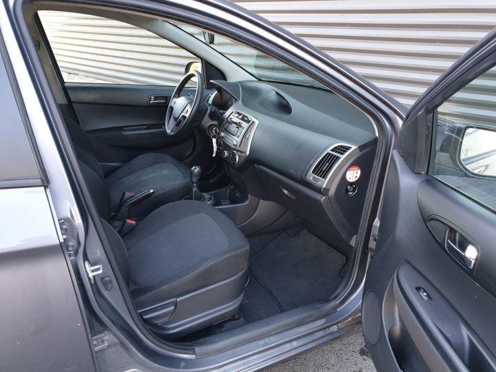 Hyundai i20 1.1 CRDI 75 PACK INVENTLIMITE O Gris Métallisé Occasion - 6