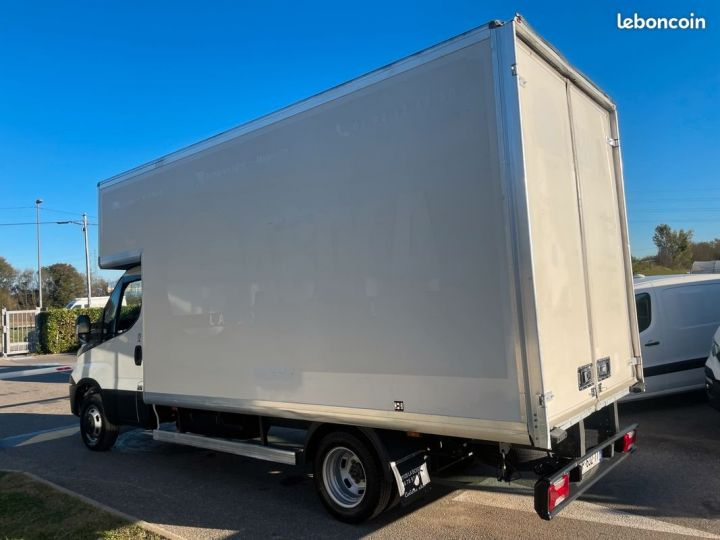 Iveco Daily 3.0 hpi 35c15 caisse 22m3  - 4