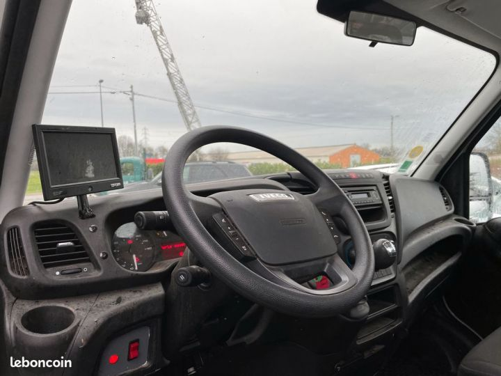 Iveco DAILY 35-17 polybenne coffre 24.000km  - 8