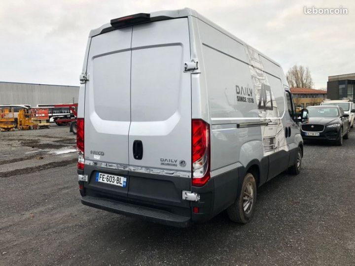 Iveco DAILY fourgon 35c21 35-210 hi-matic  - 3