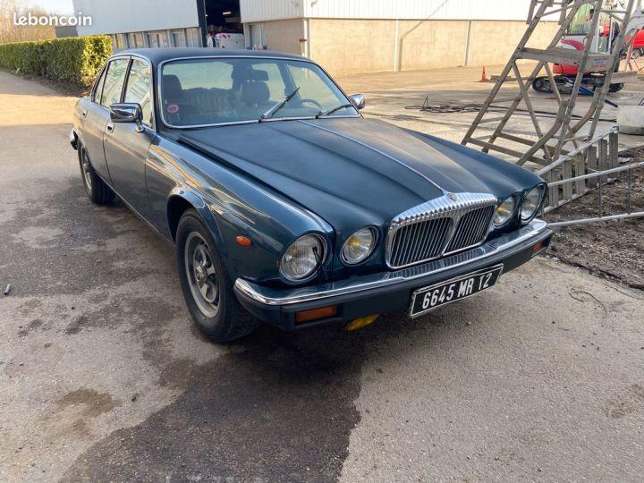 Jaguar Daimler serie 3 sovereign v12 5.3  - 1
