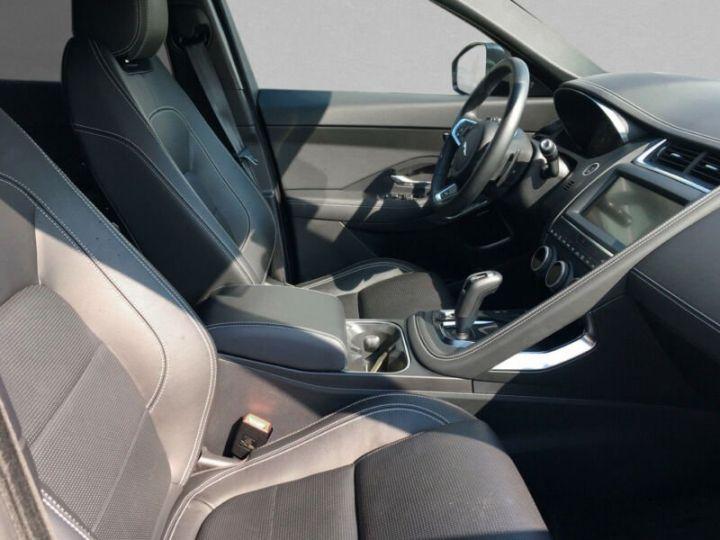 Jaguar E-Pace gris  - 7