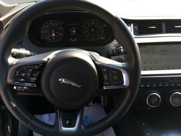 Jaguar E-Pace gris  - 9