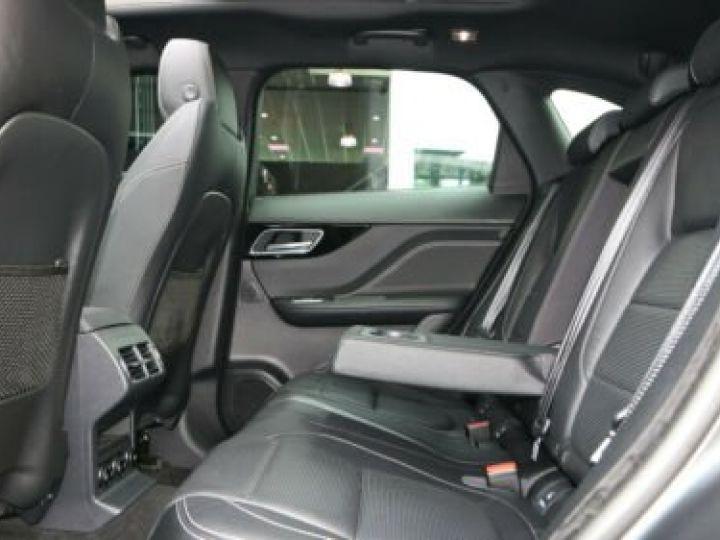 Jaguar E-Pace 2.0 P - 300 ch AWD BVA HSE / GPS / TOIT PANO / BLUETOOTH / PHARE LED / GARANTIE 12 MOIS / JAGUAR APPROUVED Noir métallisée  - 7