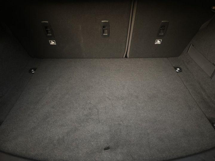 Jaguar E-Pace R-Dynamic SE Borasco Grey métallisée - 15