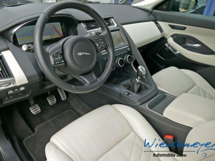 Jaguar E-Pace S gris - 10