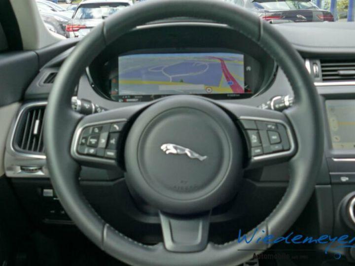 Jaguar E-Pace S gris - 12