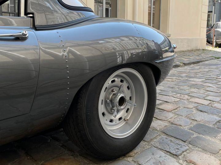 Jaguar E-Type Lightweight Aluminum Gris - 24