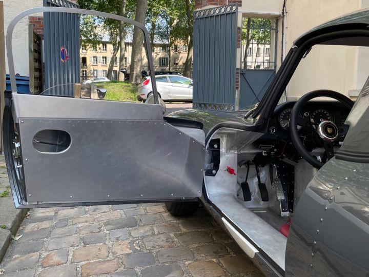 Jaguar E-Type Lightweight Aluminum Gris - 17