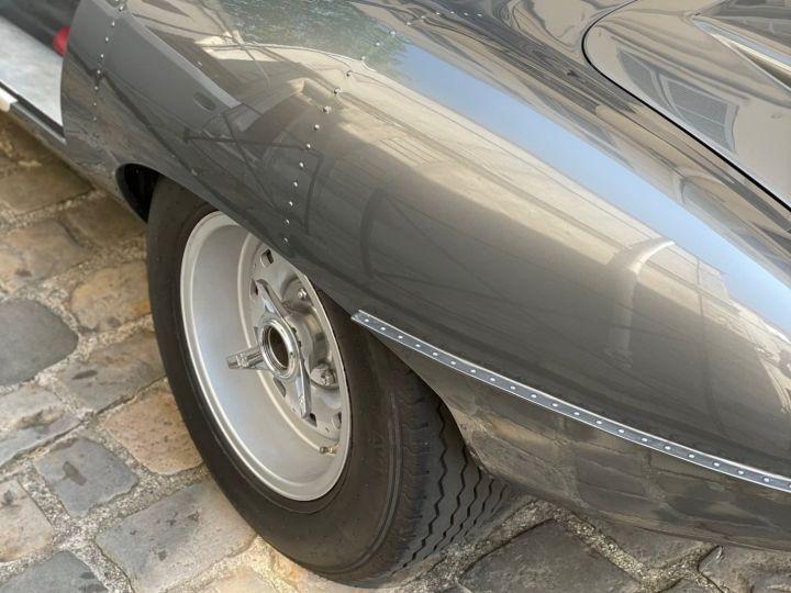 Jaguar E-Type Lightweight Aluminum Gris - 25