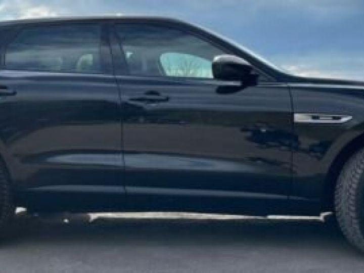 Jaguar F-Pace Noir métallisée  - 2