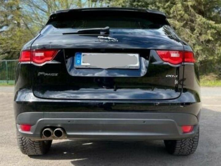 Jaguar F-Pace Noir métallisée  - 3
