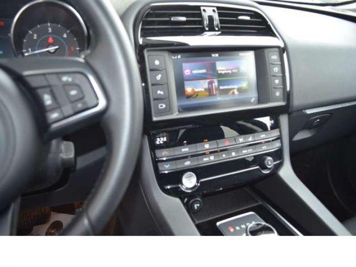 Jaguar F-Pace 2.0 D 180 PURE 4X4 BVA TOIT PANO / GPS Blanc - 6