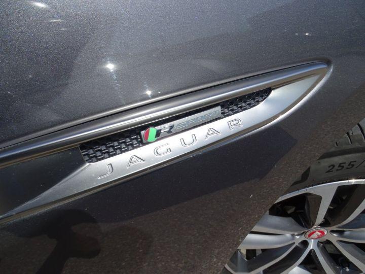 Jaguar F-Pace  JAGUAR F-PACE 2.0 D AWD 180 R-SPORT 4X4 BVA8/Toe Panoramique Hayon électrique Jtes 19 GRIS ANTHRACITE MET - 21