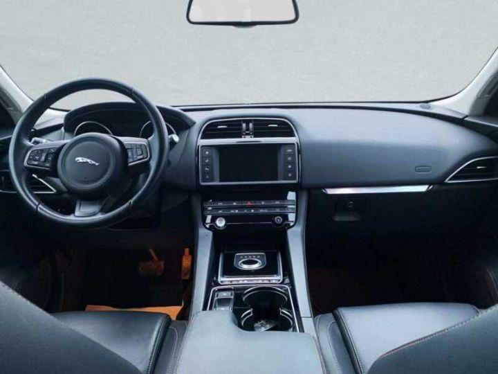 Jaguar F-Pace Prestige AWD noir  - 4
