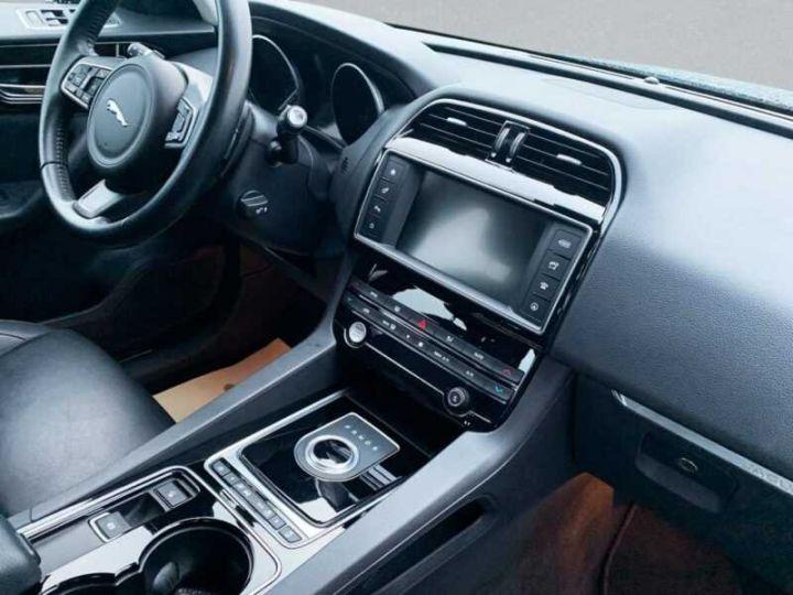 Jaguar F-Pace Prestige AWD noir  - 5