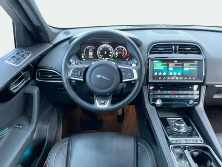 Jaguar F-Pace r-sport noir - 9