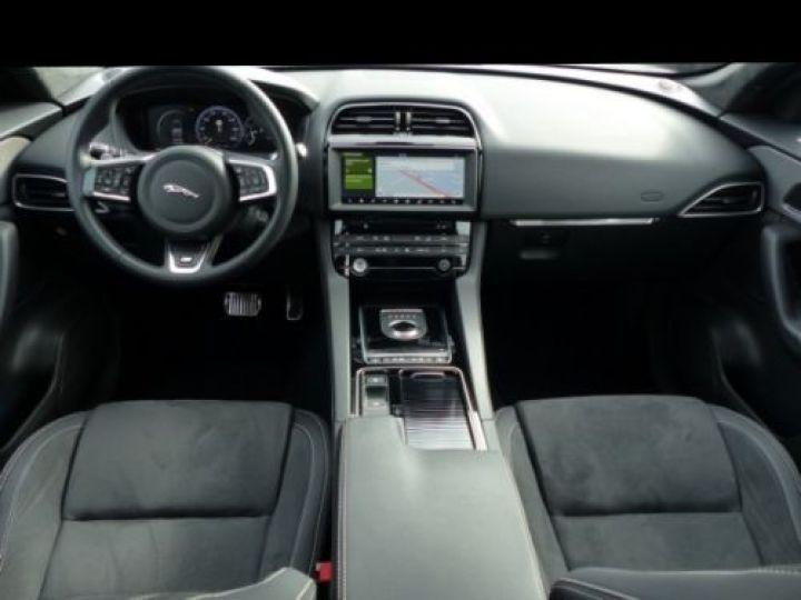 Jaguar F-Pace V6 3.0 SUPERCHARGED 380CH S 4X4 BVA8 GRIS Occasion - 4