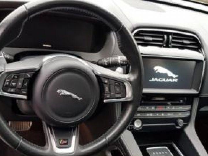 Jaguar F-Pace V6 3.0 SUPERCHARGED 380CH S 4X4 BVA8 NOIR Occasion - 11
