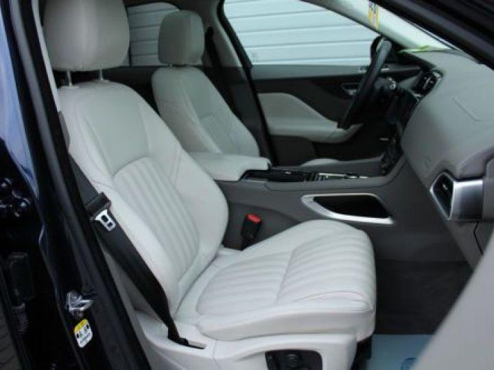 Jaguar F-Pace V6 3.0D 300CH PORTFOLIO 4X4 BVA8 BLEU Occasion - 4