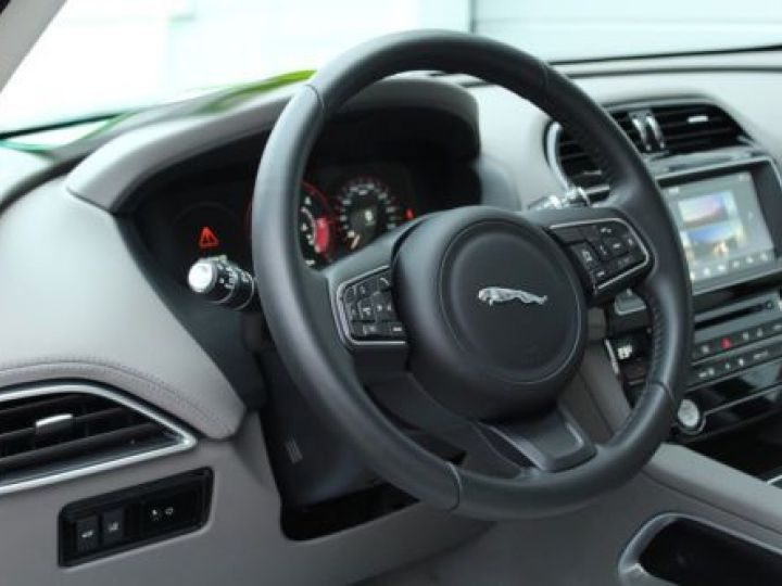 Jaguar F-Pace V6 3.0D 300CH PORTFOLIO 4X4 BVA8 BLEU Occasion - 8
