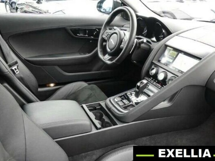 Jaguar F-Type COUPE R-DYNAMIC 3.0 V6 BLANC PEINTURE METALISE  Occasion - 4