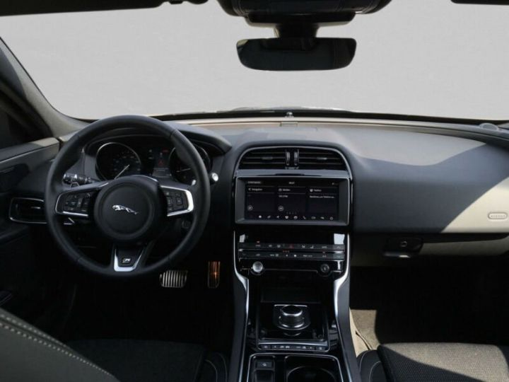Jaguar XE 2.0 D 180 R SPORT BVA  NOIR Occasion - 4