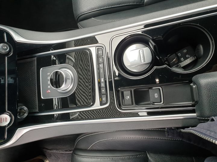 Jaguar XE 2.0d 180 sport bva Gris Occasion - 11