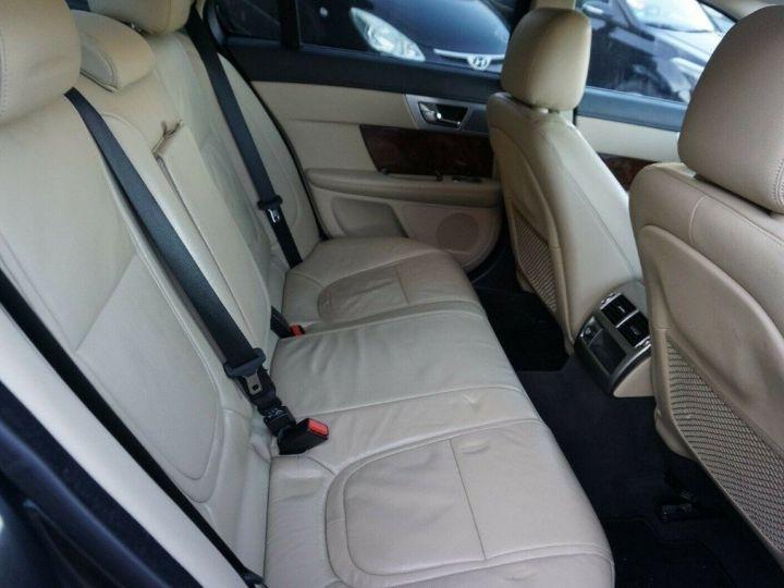 Jaguar XF 3.0 V6 240 Diesel Luxe 10/2013 noir métal - 11