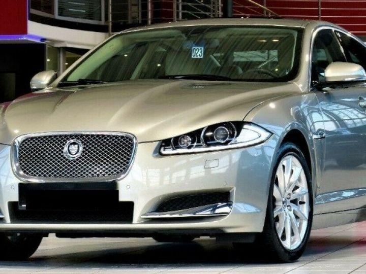 Jaguar XF 3.0 V6 240 Diesel Luxe Premium (04/2013) Gris metal champagne - 1